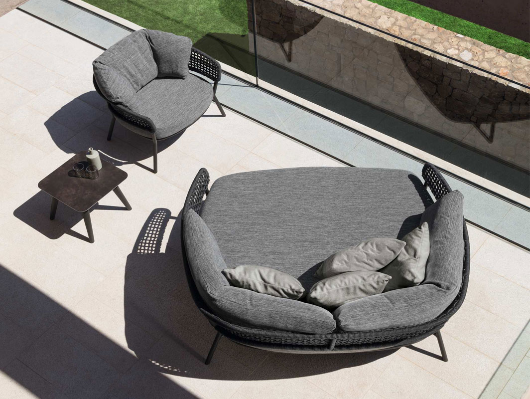 moon-alu-daybed-talenti-core-furniture-lifestyle2