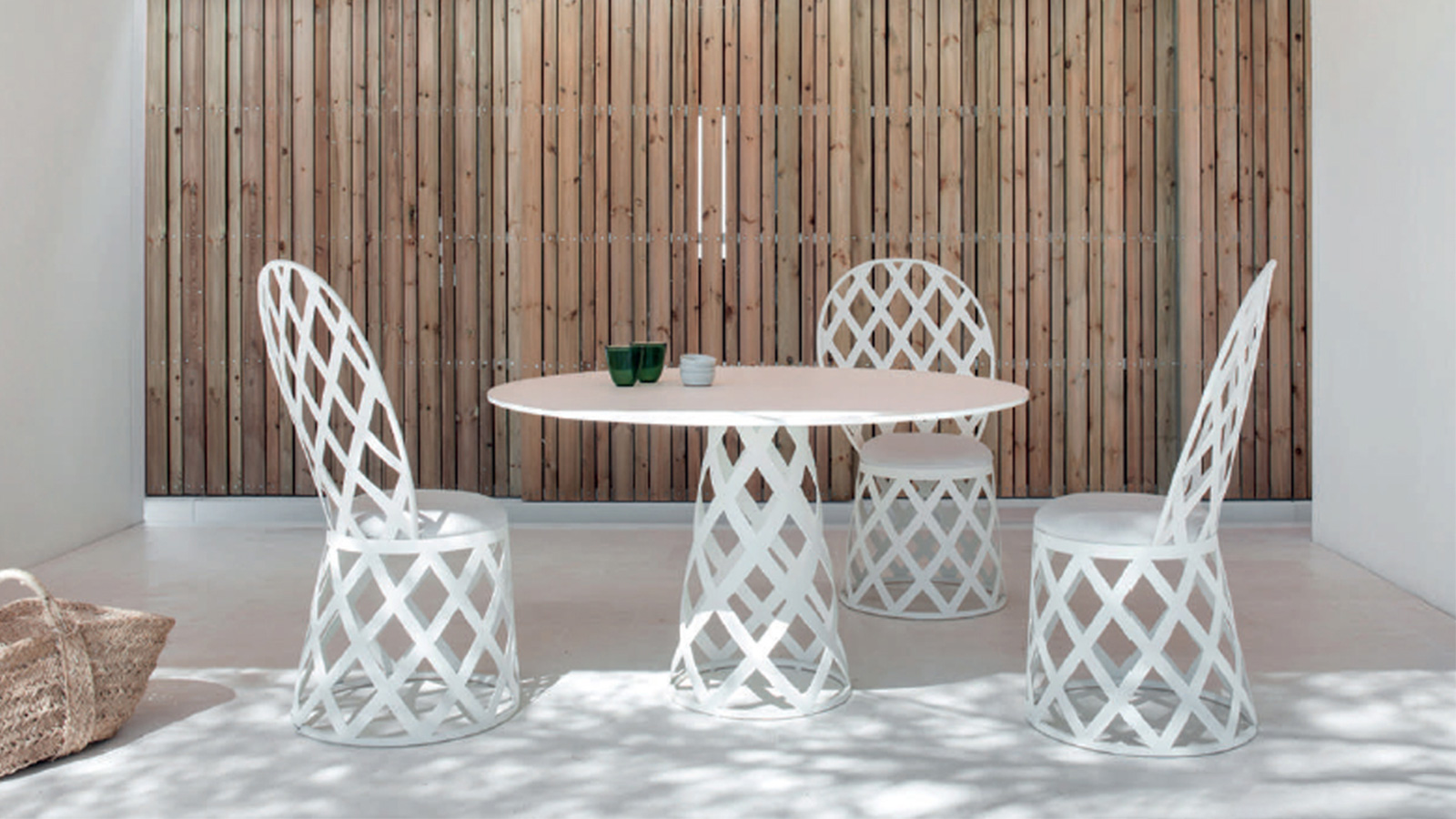 Round-Dining-Table-1